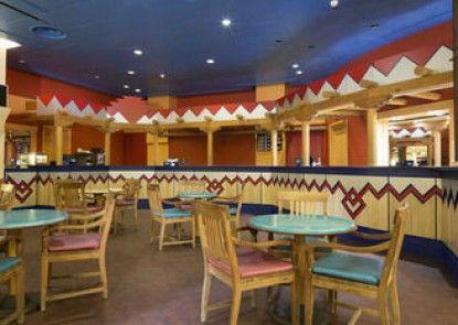 Disney\'s Hotel Santa Fe