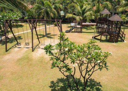 Dolphin Bay Resort