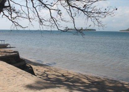 Dolphin Lodge Sekotong Pantai