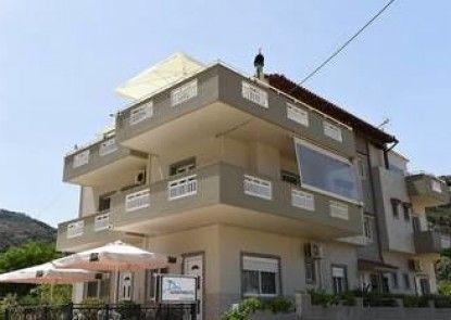 Dora Apartments