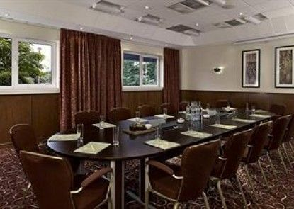 DoubleTree by Hilton Aberdeen City Centre Teras