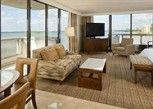 Pesan Kamar Suite Grand, 1 Tempat Tidur King, Pemandangan Teluk di DoubleTree by Hilton Grand Hotel Biscayne Bay