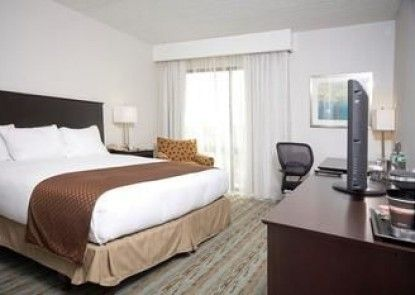 DoubleTree by Hilton Hotel Hartford - Bradley Airport