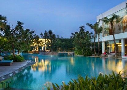 DoubleTree by Hilton Hotel Jakarta - Diponegoro Kolam Renang