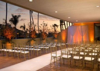 Doubletree by Hilton Hotel Los Angeles Westside
