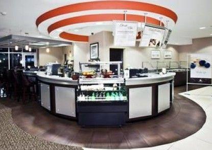 DoubleTree by Hilton Hotel Savannah Airport