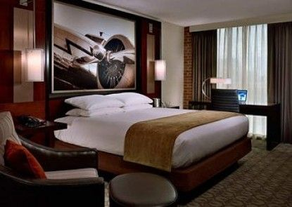 DoubleTree by Hilton Hotel & Suites Charleston Airport