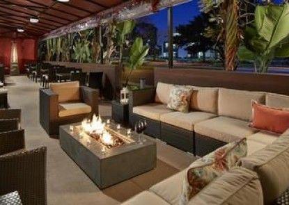 DoubleTree by Hilton LAX - El Segundo