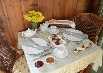 Dove Nest Bed and Breakfast