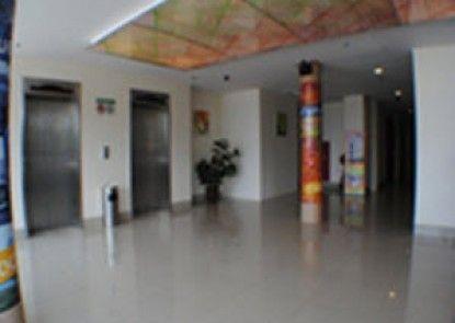 Dprimahotel ITC Mangga Dua Lobby