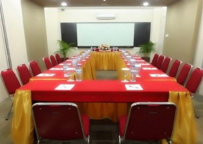Dragon Inn Kemayoran Ruangan Meeting