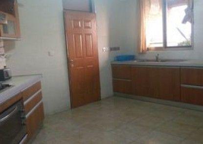 Dream Court Apartment