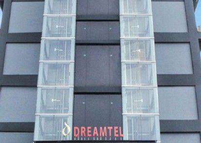 Dreamtel Jakarta Eksterior