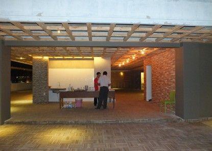 Studio Inn And Suite Semarang Pintu Masuk