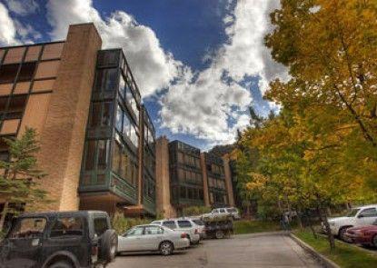 Durant Condominiums by Frias