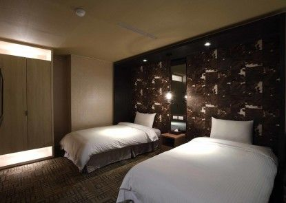 East Dragon Hotel
