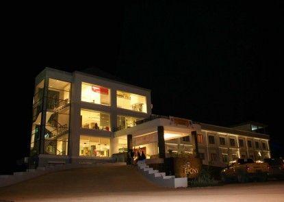 Ebony Hotel Batulicin Eksterior