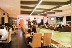Revel Longe Bar & Resto