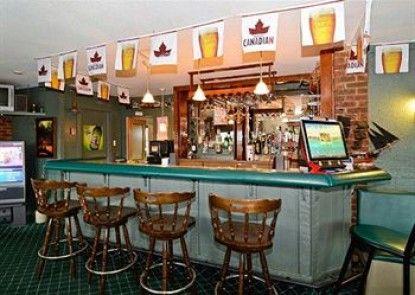 Econo Lodge Moncton Teras
