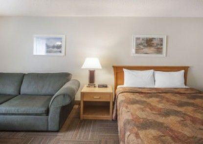 Econo Lodge & Suites Hinton