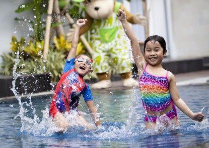 EDEN Hotel Kuta Bali Kolam Renang