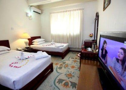Eden Palace Hotel