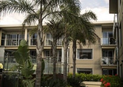 Edgewater Palms Apartments