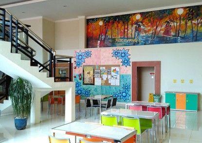 EDU Hostel Rumah Makan