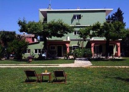 Efi & Sofia Apartments