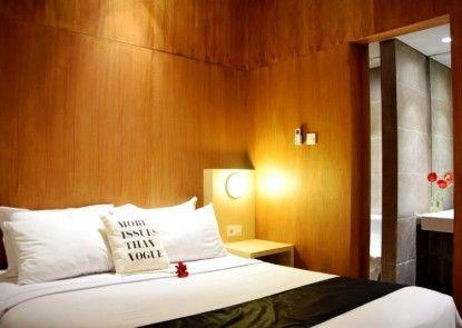 Ekkon Hotel Kamar Tamu