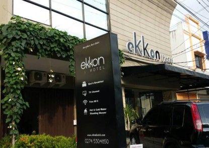 Ekkon Hotel Tempat Parkir