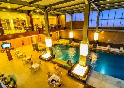 El Cavana Hotel Bandung Kolam Renang