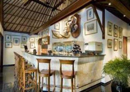 Elephant Safari Park Lodge Hotel Bar
