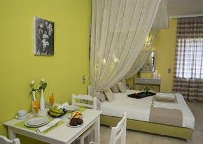 Elia Stalos Apartments