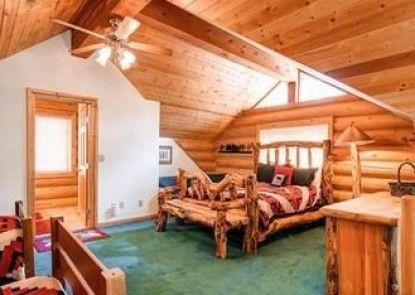 Elk Trail House Peak 7 by Pinnacle Lodging