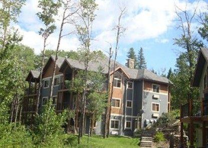 Elkwater Lake Lodge