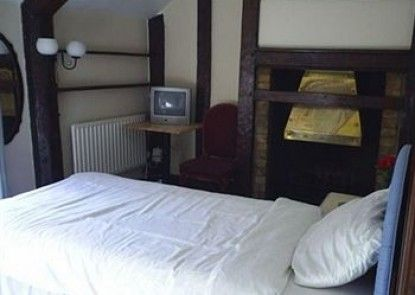 Ely Guest House Teras