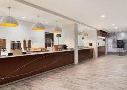 Embassy Suites Atlanta Airport