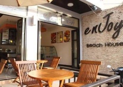Enjoy\'s Beach House Karon