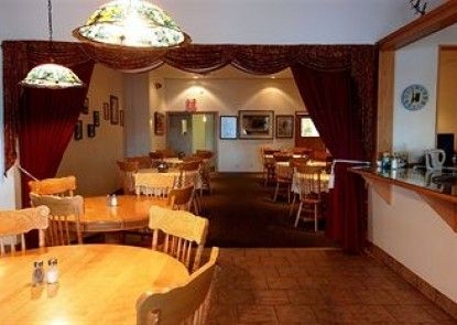 Executive House Suites Hotel & Conference Centre