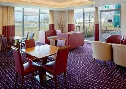 Express By Holiday Inn DONCASTER Teras