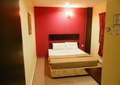 Ezzy In Hotel
