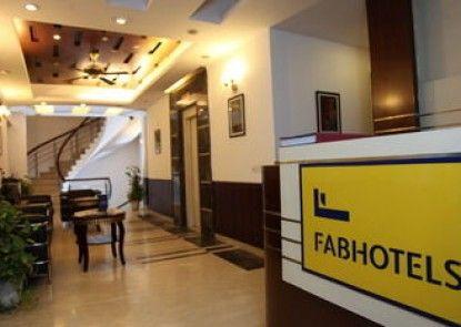 FabHotel HUDA Metro Station