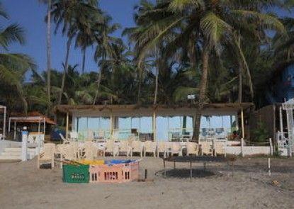 FabHotel Tahira Ashwem Beachfront