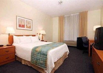 Fairfield Inn by Marriott Joliet South Teras