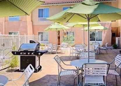 Fairfield Inn & Suites by Marriott Twentynine Palms Teras