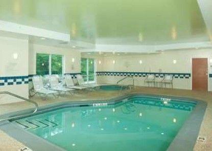 Fairfield Inn & Suites by Marriott Brunswick Freeport
