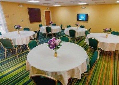 Fairfield Inn & Suites Visalia Tulare