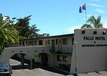 Falls Motel & Waterfront Campground