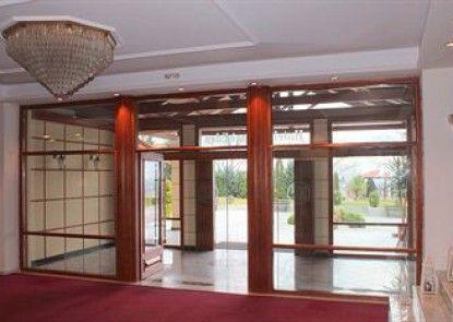 Famissi Eden Hotel